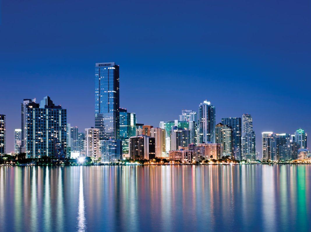 Como Exhibir trabajos de Artistas Emergentes en Miami