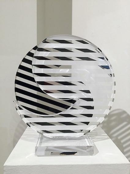 Wuilfredo Soto Ying&Yang, Black&White, 2015 Laser cut acrylic